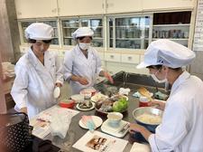 人間健康科食物栄養専攻で「3・1・2弁当箱法」体験セミナーを開催しました