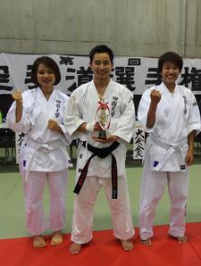 留学生が「第45回空手道選手権大会 植村杯」で入賞しました