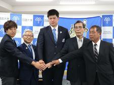「砲丸投 武田歴次選手の陸上競技部入部・始動記者会見」を開催しました