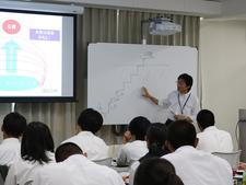 「徳島県高校生ビジネスアイデアコンテスト」の事前講習会を開催しました