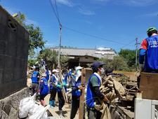 本学の学生が西日本豪雨災害の復興支援ボランティアを行いました