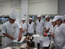 食物栄養専攻で「ジビエ料理講習会」を行いました
