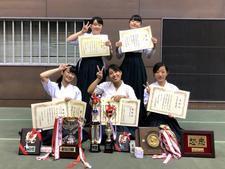 弓道部が「第65回中四国学生弓道選手権大会」で女子団体戦・個人戦で優勝し、全国大会出場権を獲得しました