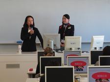 国際文化学科にてJAL客室乗務員による授業が行われました