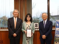 人間生活科学科の坂野美恵子教授が「第12回とくしま芸術文化賞」を受賞しました