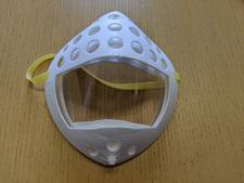人間生活科学科の上野昇准教授が『口元透明3Dマスク』を製作しました
